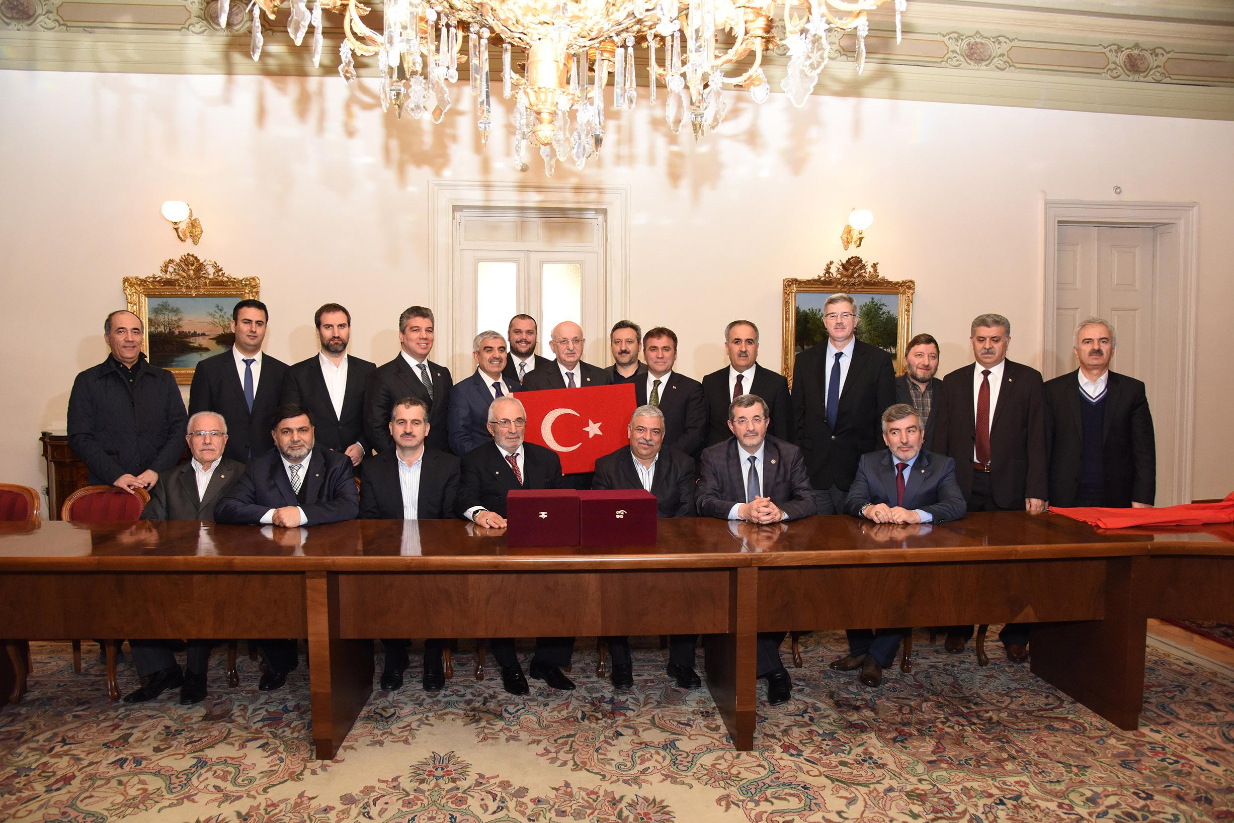 İki Kardeş Vakfı, Meclis Başkanı İsmail Karaman'ı Ziyaret Etti