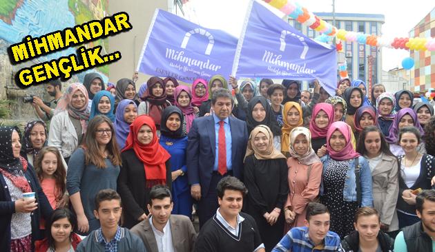 Göksu, Esenler'in Mihmandar Gençleriyle Çocuk Sokağı'nda Buluştu