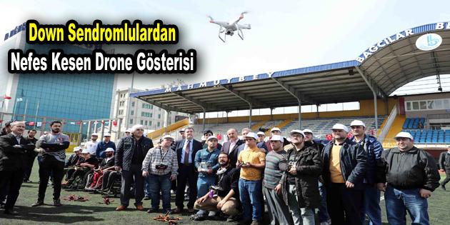 Down Sendromlulardan nefes kesen drone gösterisi