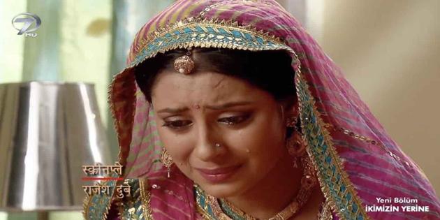 Anandi'yi canlandıran Pratyusha Banerjee intihar etti
