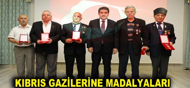 KIBRIS GAZİLERİNE MADALYALARI VERİLDİ