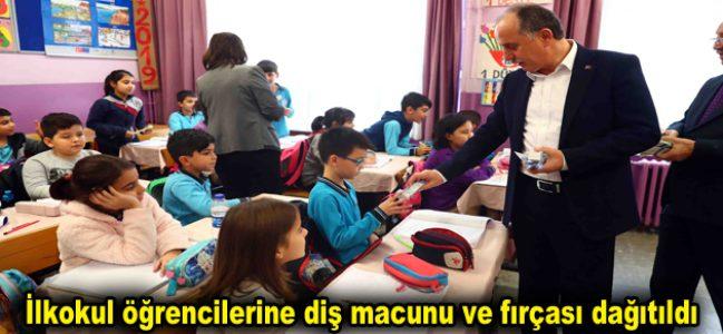 İlkokul öğrencilerine diş macunu ve fırçası dağıtıldı