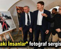 """""""Sınırdaki İnsanlar"""" fotoğraf sergisi açıldı"""